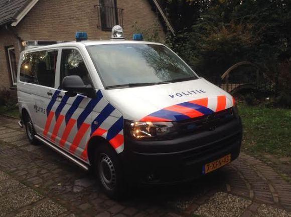 politie-busje-oprit-trotse-vaders