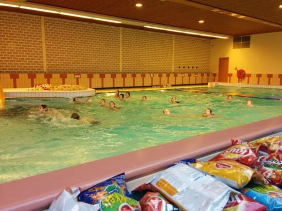 zwem-feest-trotse-moeders