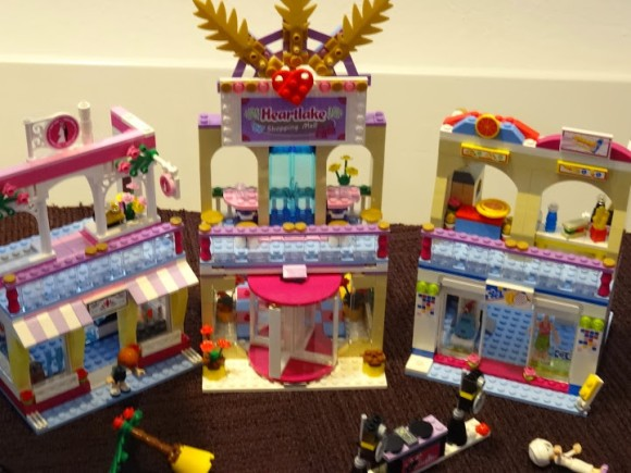 lego-Friends-copyright-trotse-moeders-heartlake-winkelcentrum