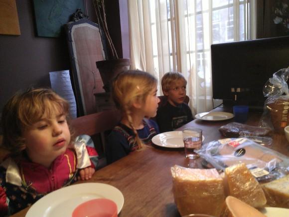 aan-tafel-trotse-moeders