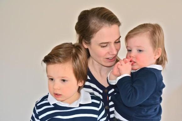 even-voorstellen-trotse-moeder-laura-gezin