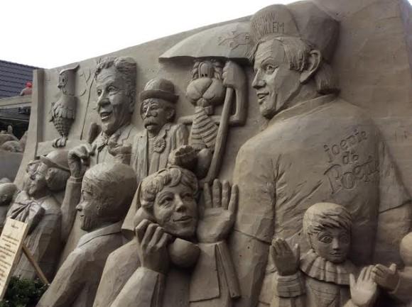 zandsculpturen-2015-trotse-moeders-11