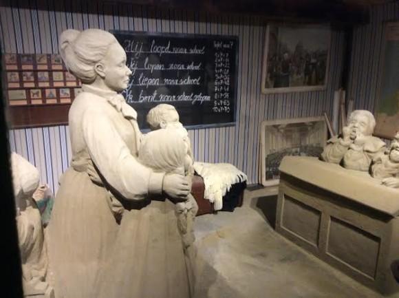 zandsculpturen-2015-trotse-moeders-16