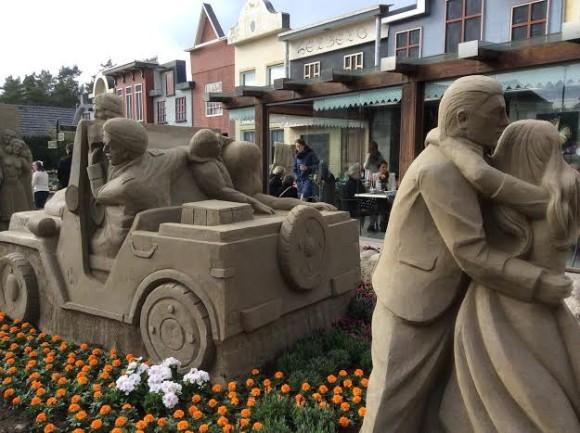 zandsculpturen-2015-trotse-moeders-22