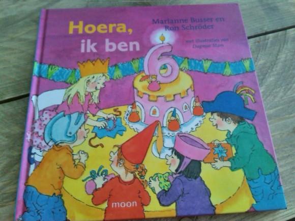 hoera-ik-ben-zes-recensie-copyright-trotse-moeders-1