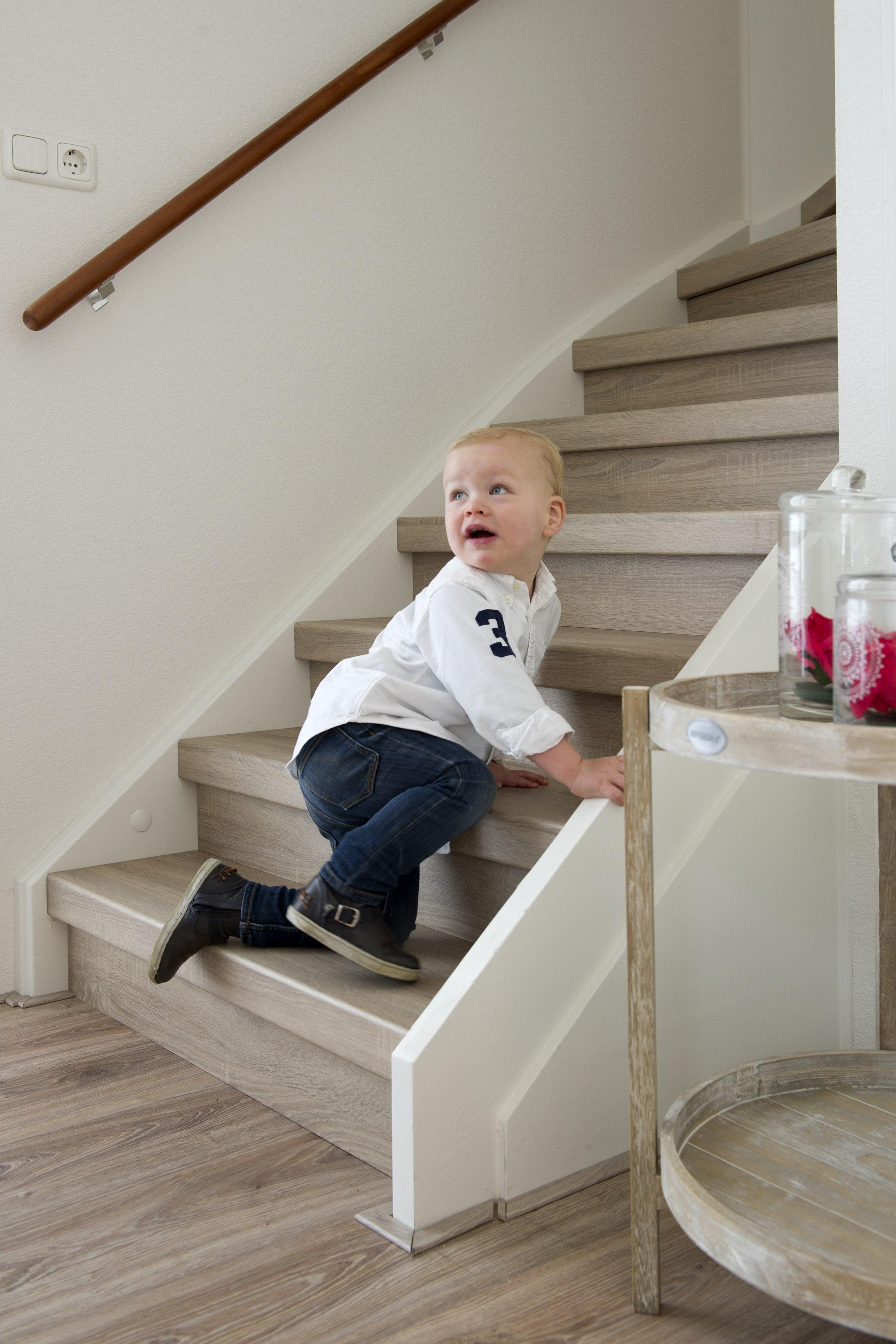 Een kindvriendelijke en veilige trap tips trotsemoeders magazine voor moeders door moeders - Trap meubilair kind ...