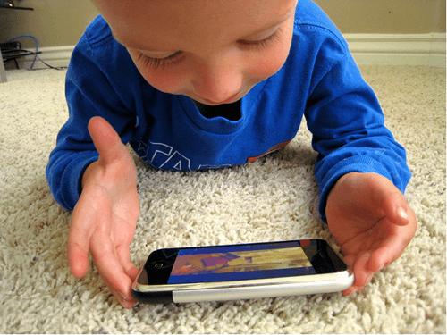 kind met iphone