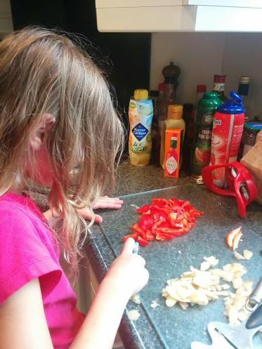 fun-burger-tonijn-recept-samen-koken-copyright-trotse-moeders-5