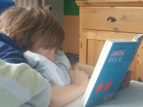 puberteit-voorlichting-ultieme-jongensboek-copyright-trotse-moeders-5