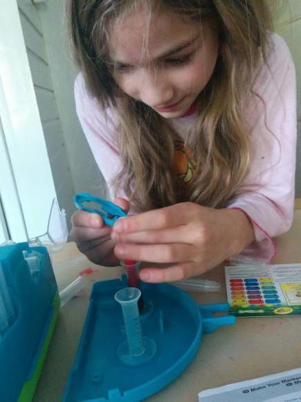 crayola-marker-maker-zelf-stiften-maken-copyright-trotse-moeders-8
