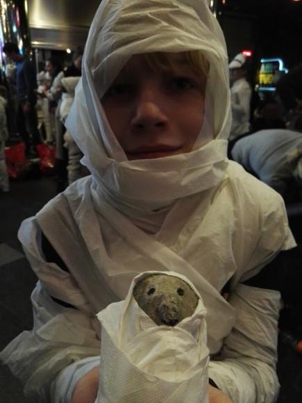 dummie-de-mummie-film-trotse-moeders-tosca-menten-wereld-receord