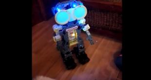 meccanoid-robot-copyright-trotse-moeders-3