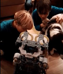 meccanoid-robot-copyright-trotse-moeders-5