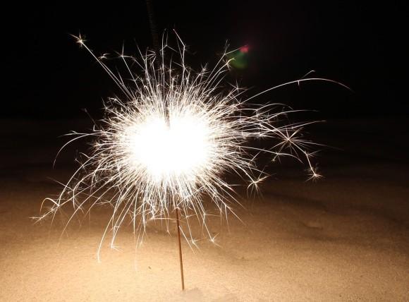 sparkler-585586_960_720