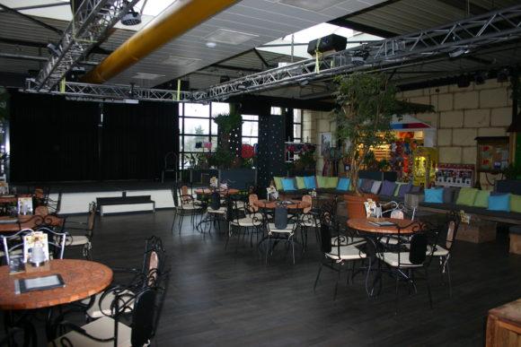 vakantiepark De Schatberg binnenterras voor cafe