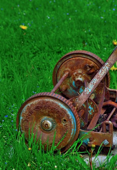 rusty-lawnmower-351354_960_720