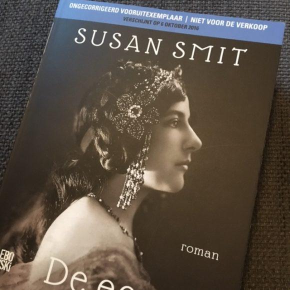de-eerste-vrouw-boek