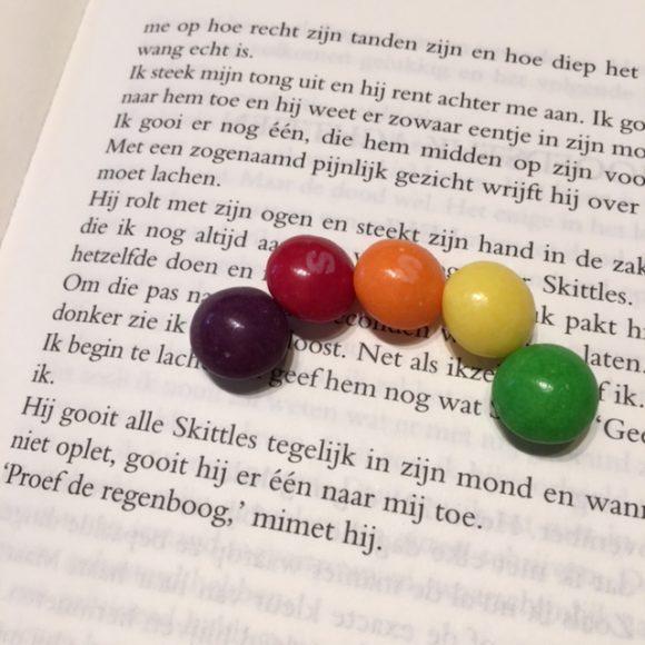 ik-kan-je-niet-vergeten-proef-de-regenboog-skittles