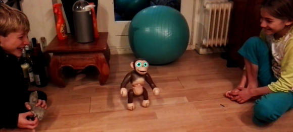 zoomer-chimp-review-copyright-trotse-moeders-3