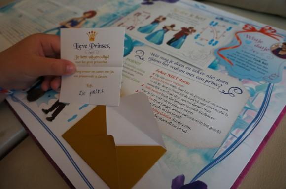 Barbie Prinsessen Slaapkamer : Prinsessia het grote prinsessenboek ...