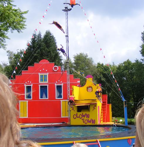 hellendoorn-clown-stunt-show
