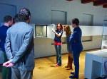 Djoeke van Netten gaf uitleg over de Tentoonstelling Atlassen over de amsterdamse cartograaf Blaeu in het scheepvaartmuseum te Amsterdam